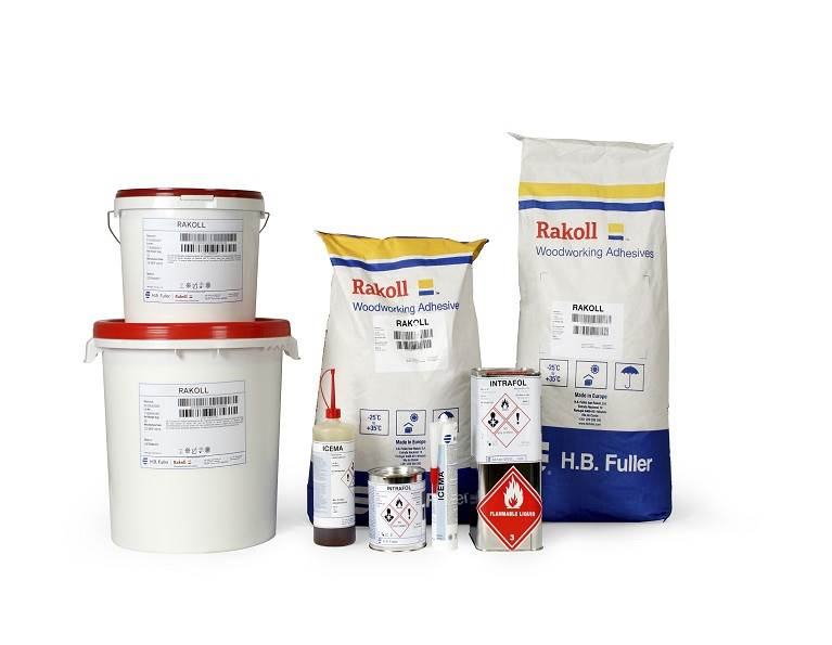 Image of Rakoll product line in different sized packages.